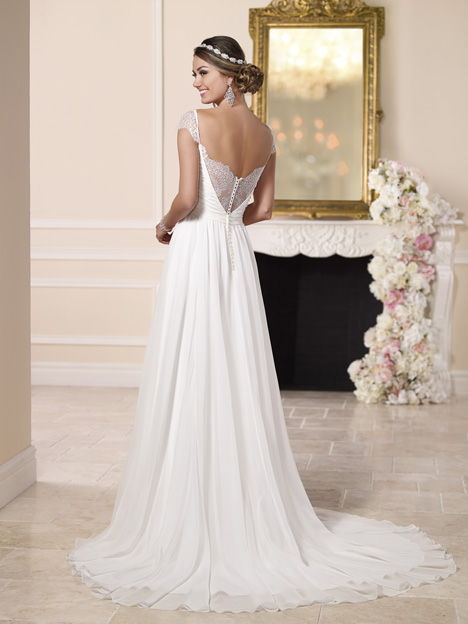 Style 6120 gown from the 2016 Stella York collection, as seen on dressfinder.ca