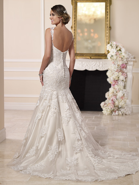 Style 6103 gown from the 2016 Stella York collection, as seen on dressfinder.ca