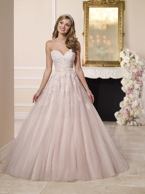 6098 gown from the 2016 Stella York collection, as seen on dressfinder.ca