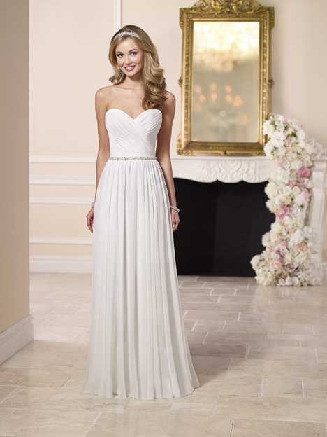 6096 gown from the 2016 Stella York collection, as seen on dressfinder.ca