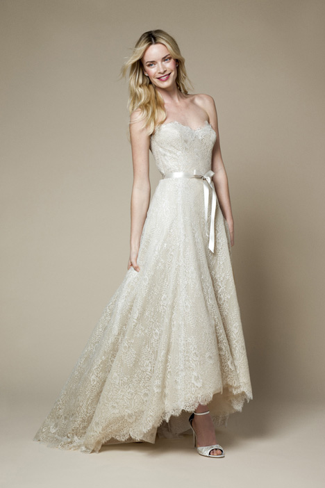 15202 gown from the 2015 Monique Lhuillier: Bliss collection, as seen on dressfinder.ca