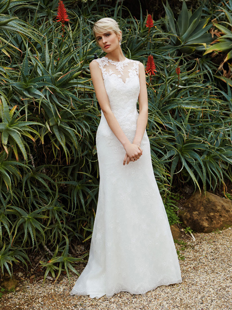 BT16-15 Wedding                                          dress by Enzoani Beautiful Bridal