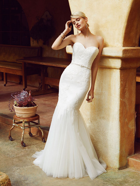 BT16-21 gown from the 2015 Enzoani Beautiful Bridal collection, as seen on dressfinder.ca