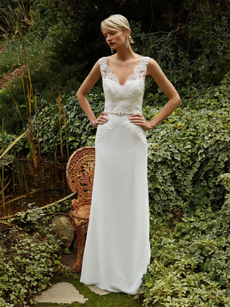 BT16-26 Wedding dress by Enzoani Beautiful Bridal
