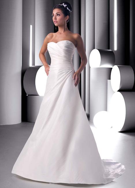 8251 Wedding                                          dress by DaVinci