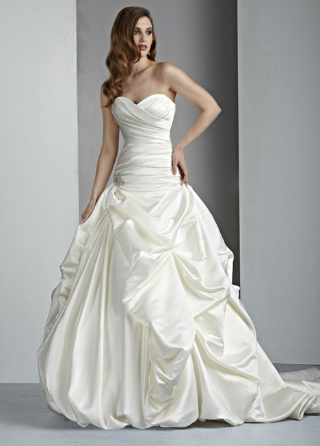 50004 Wedding                                          dress by DaVinci