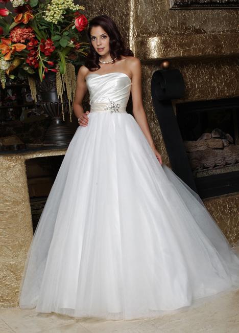 50163 Wedding dress by DaVinci