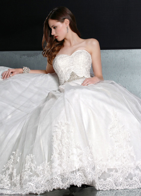 50193 Wedding                                          dress by DaVinci