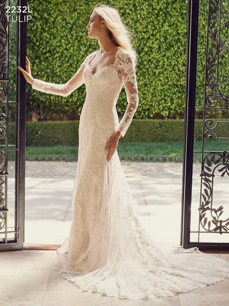 Tulip gown from the 2016 Casablanca Bridal collection, as seen on dressfinder.ca