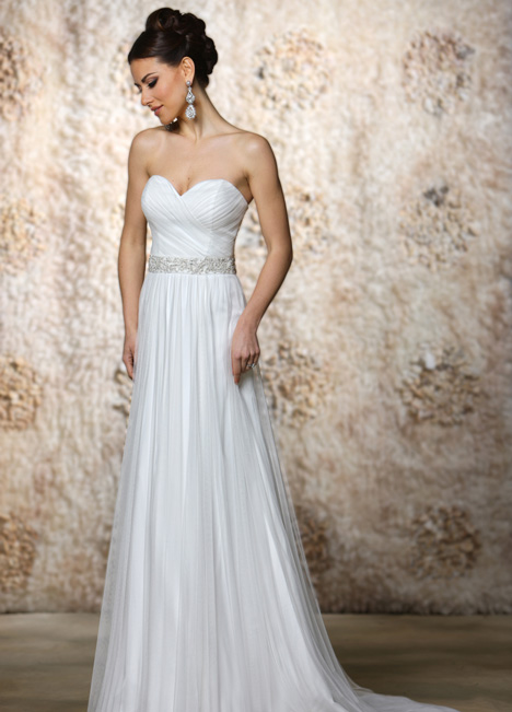 Kristen gown from the 2015 Cristiano Lucci collection, as seen on dressfinder.ca