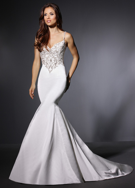Mae gown from the 2015 Cristiano Lucci collection, as seen on dressfinder.ca