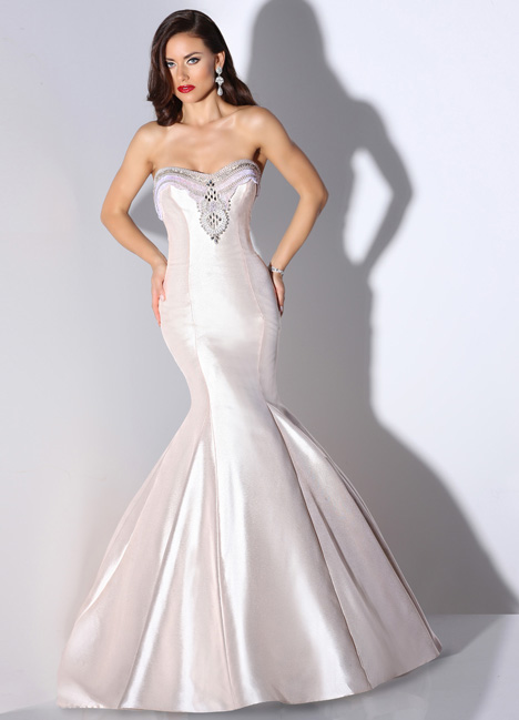 Lana gown from the 2014 Cristiano Lucci collection, as seen on dressfinder.ca