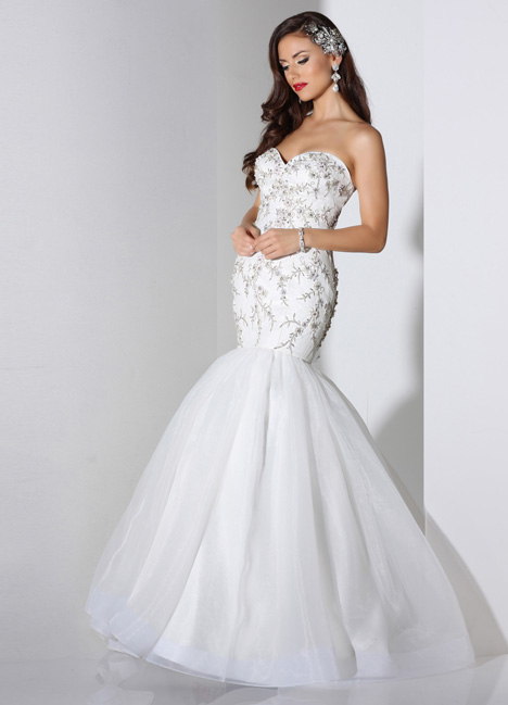 Marilyn gown from the 2014 Cristiano Lucci collection, as seen on dressfinder.ca