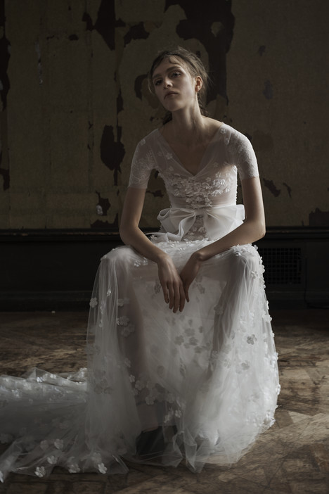 Camilla gown from the 2016 Vera Wang collection, as seen on dressfinder.ca