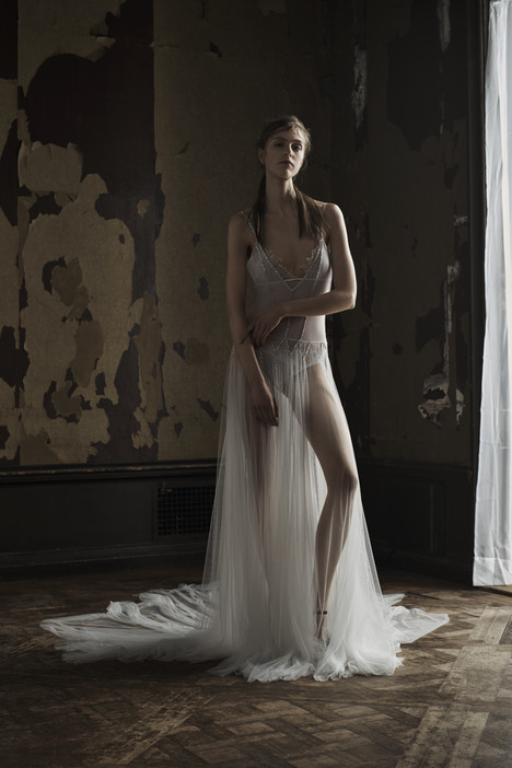 Magdalena gown from the 2016 Vera Wang collection, as seen on dressfinder.ca