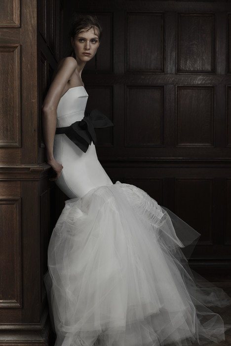 Manuela gown from the 2016 Vera Wang collection, as seen on dressfinder.ca