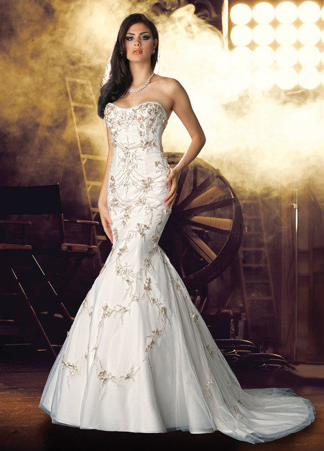 10227 Wedding                                          dress by Impression