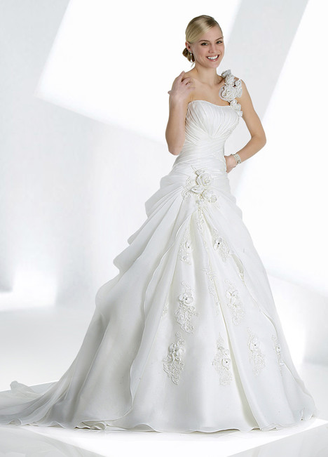 10068 gown from the 2013 Impression collection, as seen on dressfinder.ca