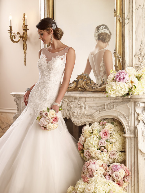 6021 gown from the 2015 Stella York collection, as seen on dressfinder.ca