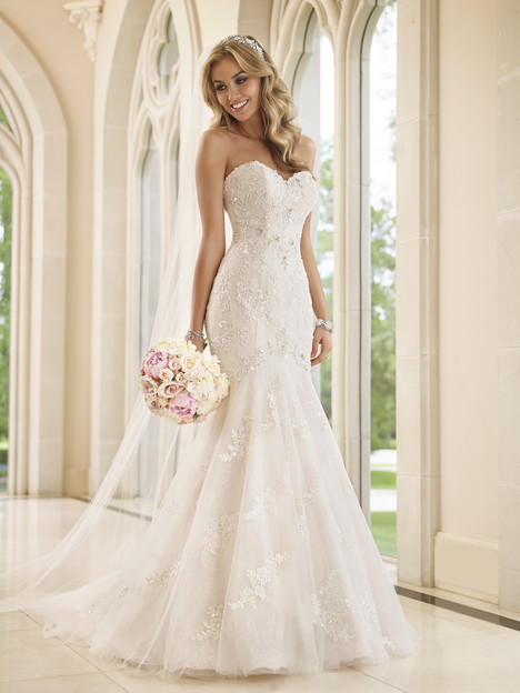 6051 gown from the 2015 Stella York collection, as seen on dressfinder.ca