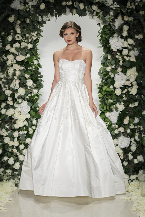 Somerset gown from the 2016 Anne Barge collection, as seen on dressfinder.ca