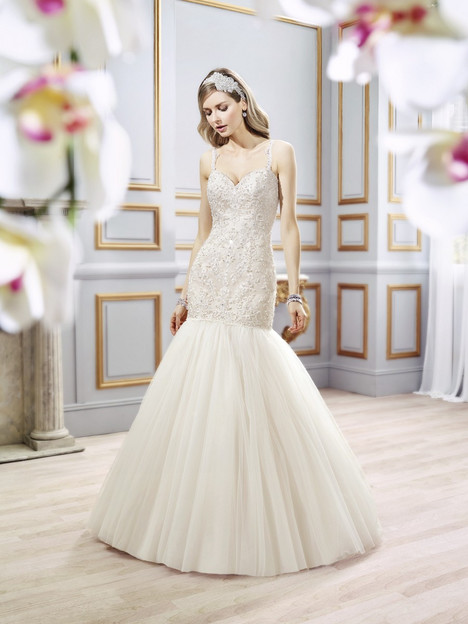 J6400 gown from the 2016 Moonlight : Collection collection, as seen on dressfinder.ca
