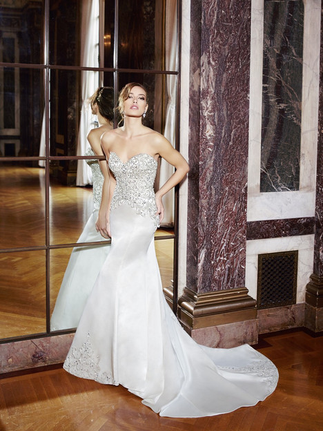 H1295 Wedding                                          dress by Moonlight : Couture
