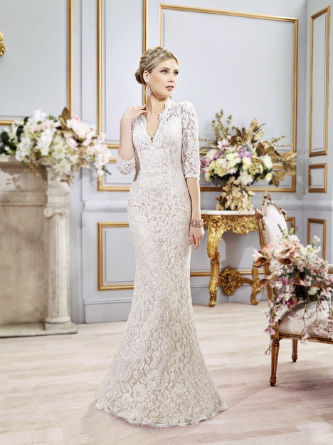 Amaris gown from the 2016 Val Stefani collection, as seen on dressfinder.ca