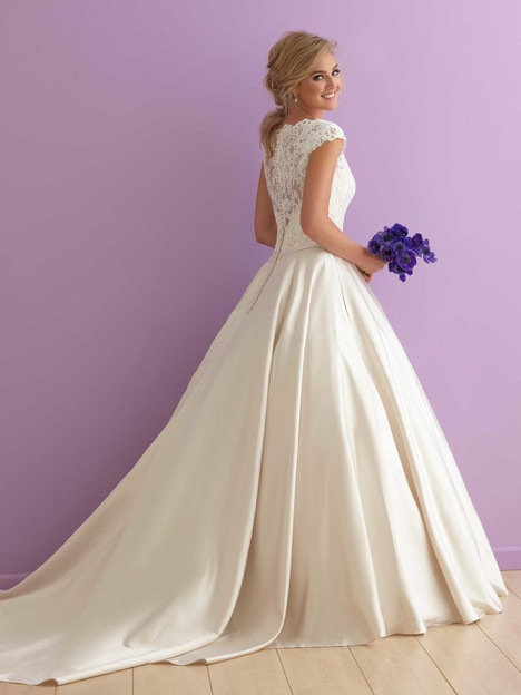 2914 (2) Wedding                                          dress by Allure Bridals : Allure Romance