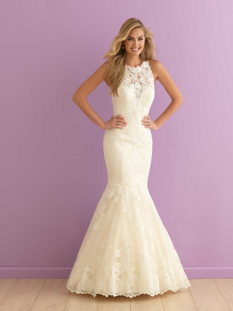 2907 gown from the 2016 Allure Bridals : Allure Romance collection, as seen on dressfinder.ca