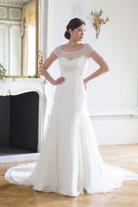 Tammy gown from the 2016 Augusta Jones collection, as seen on dressfinder.ca