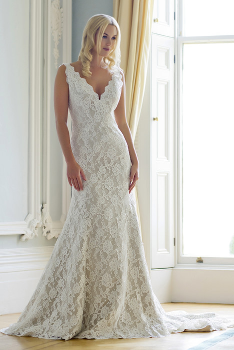 Stephanie gown from the 2016 Augusta Jones collection, as seen on dressfinder.ca