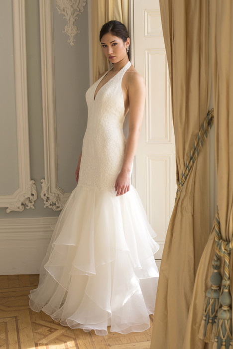Piper gown from the 2016 Augusta Jones collection, as seen on dressfinder.ca