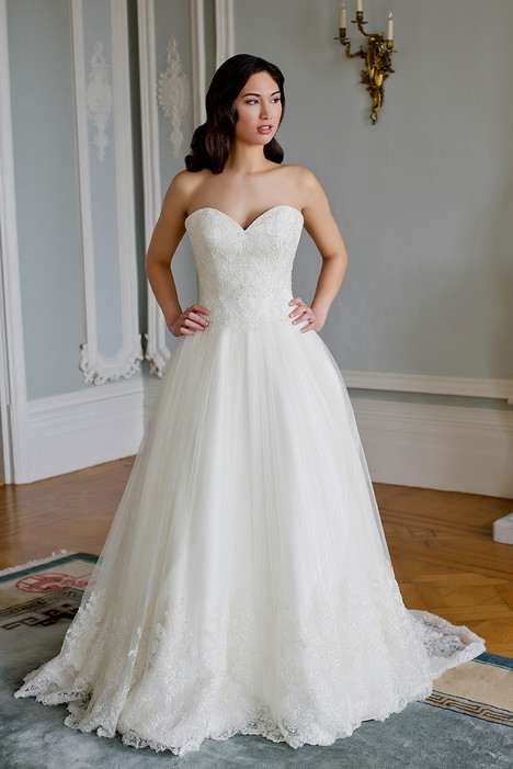 Melody gown from the 2016 Augusta Jones collection, as seen on dressfinder.ca