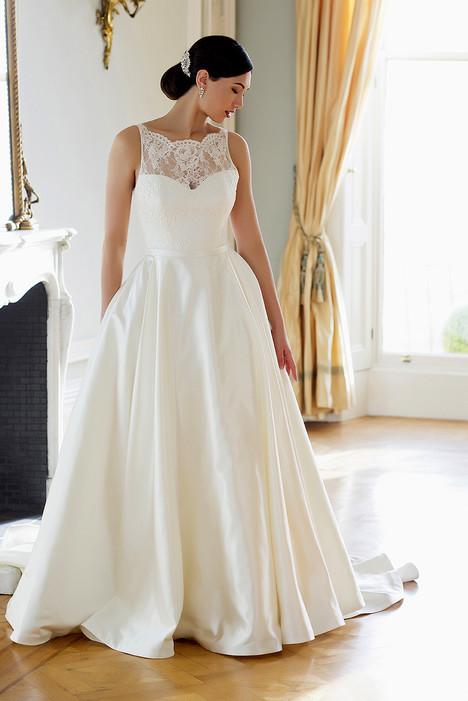Bonnie Wedding                                          dress by Augusta Jones