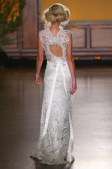 Bijoux (2) Wedding                                          dress by Claire Pettibone : Romantique