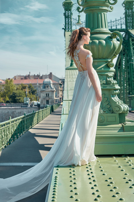 602 (2) Wedding                                          dress by GALA by Galia Lahav