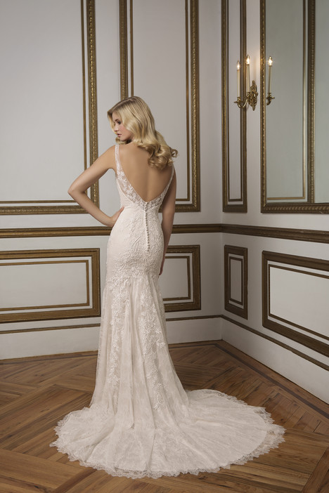 8828 (2) gown from the 2016 Justin Alexander collection, as seen on dressfinder.ca