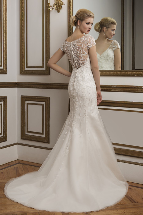 Style 8846 gown from the 2016 Justin Alexander collection, as seen on dressfinder.ca