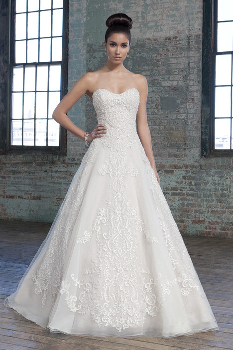 9805 Wedding                                          dress by Justin Alexander Signature