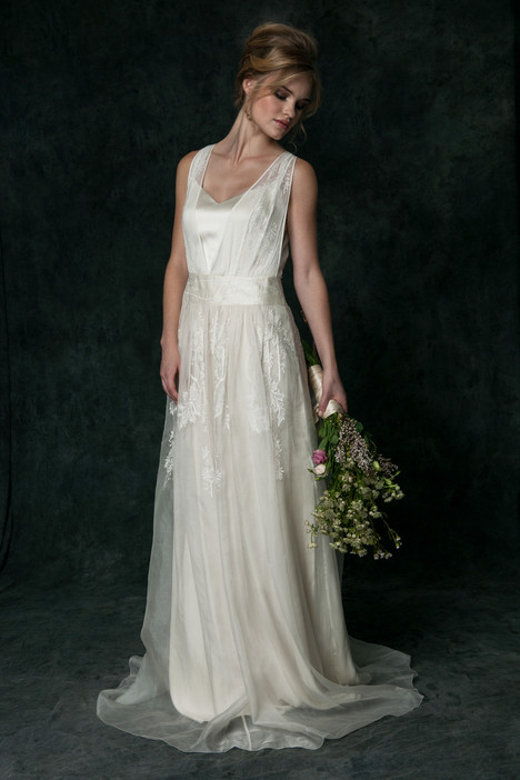 or6550 Wedding                                          dress by Saja Wedding