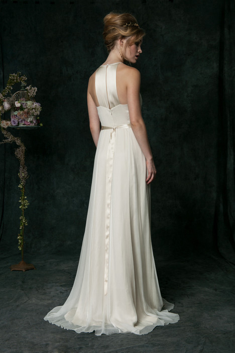 hb6640 (2) Wedding                                          dress by Saja