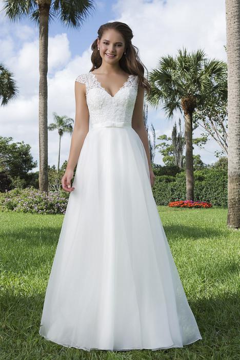 6107 Wedding                                          dress by Sweetheart