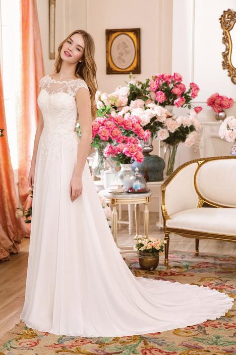 6116 Wedding dress by Sweetheart