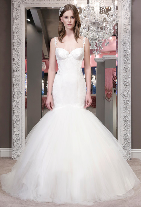 Paiva gown from the 2016 Winnie Couture : Blush collection, as seen on dressfinder.ca