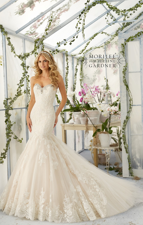 Style 2804 gown from the 2016 Morilee Bridal collection, as seen on dressfinder.ca
