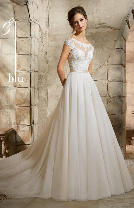 5362 Wedding                                          dress by Mori Lee: Blu