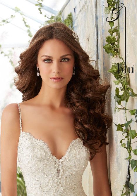 5415 Wedding                                          dress by Mori Lee: Blu