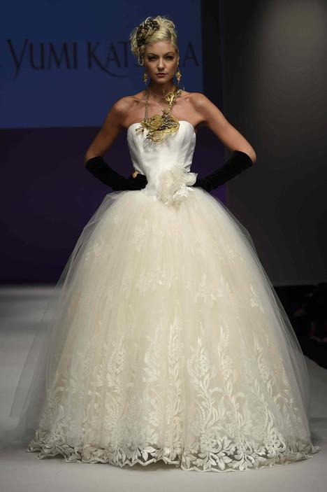0420 Wedding                                          dress by Yumi Katsura