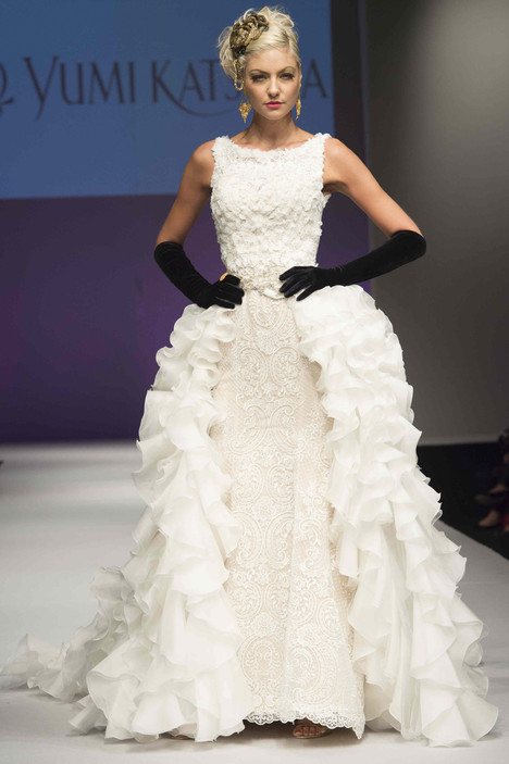 0818 gown from the 2016 Yumi Katsura collection, as seen on dressfinder.ca